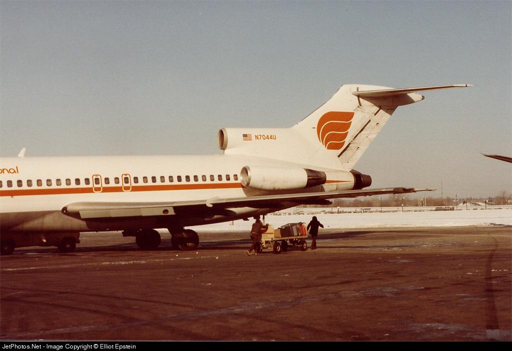 N7044U - Boeing 727-22 - Ryan International Airlines