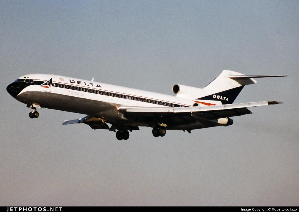 N2811W - Boeing 727-247(Adv) - Delta Air Lines