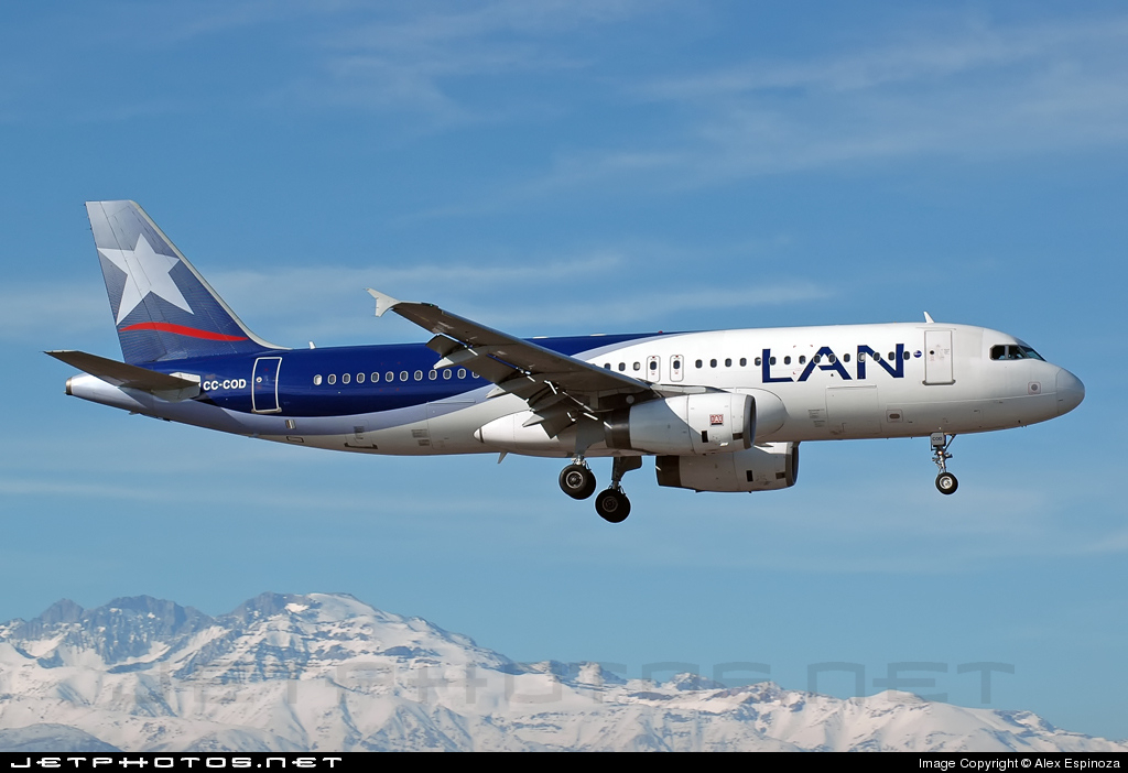 CC-COD - Airbus A320-233 - LAN Airlines
