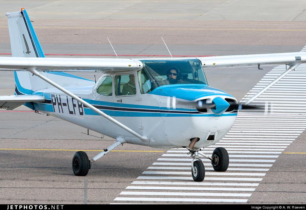 PH-LFB - Cessna 172P Skyhawk II - Flight Center Lelystad