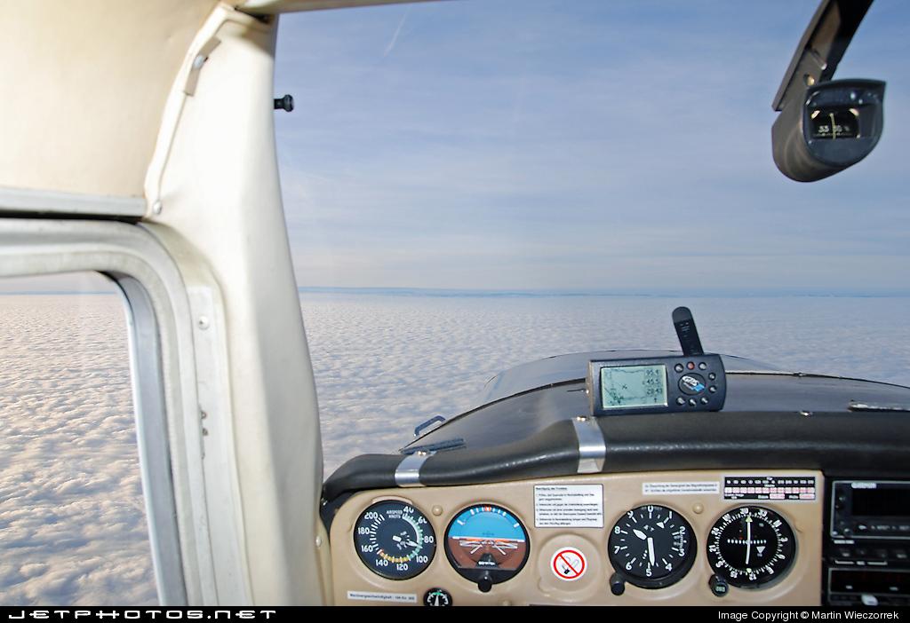 D-EIEB - Cessna 152 - Private