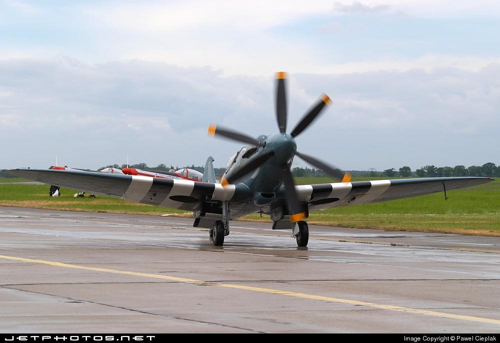 F-AZJS - Supermarine Spitfire Mk.XIX - Private