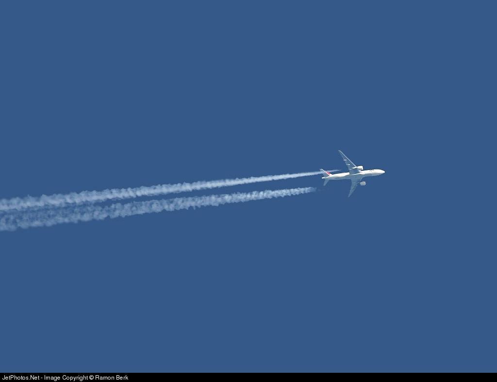 - Boeing 777-246(ER) - Japan Airlines (JAL)