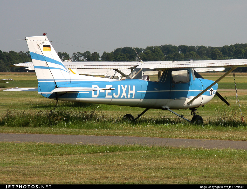 D-EJXH - Cessna 150L - Private
