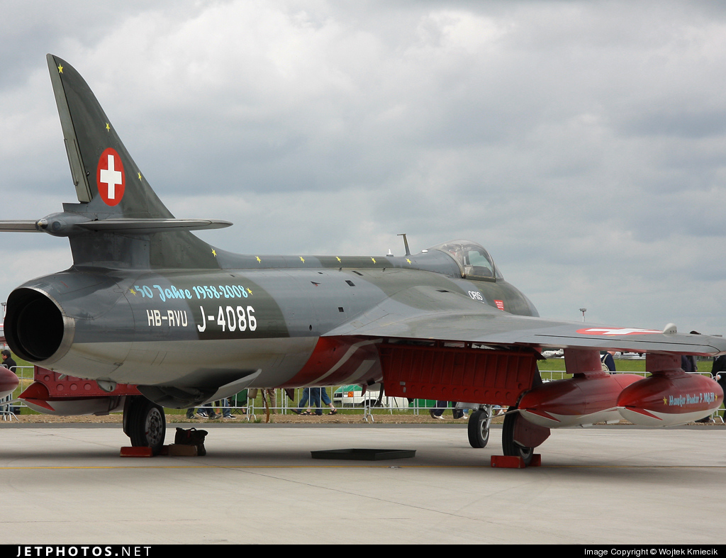 HB-RVU - Hawker Hunter Mk.58 - Air Vampires