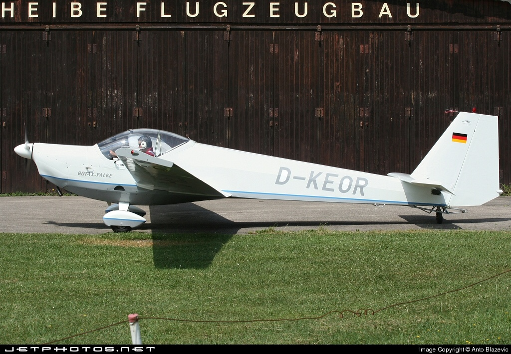 D-KEOR - Scheibe SF.25C Falke - Private