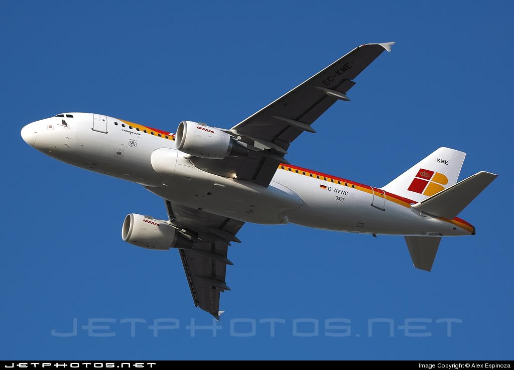 EC-KME - Airbus A319-111 - Iberia