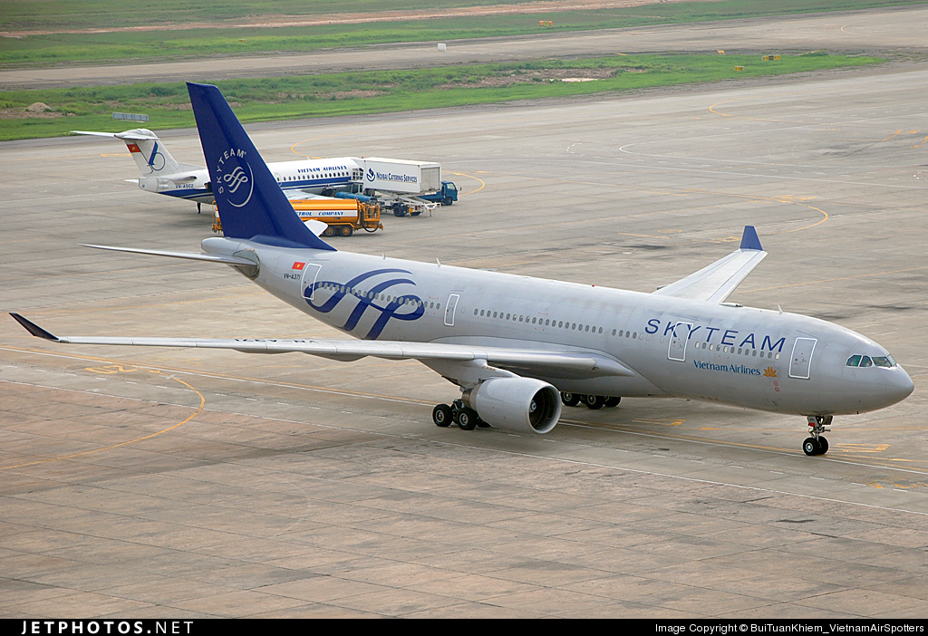 VN-A371 - Airbus A330-223 - Vietnam Airlines