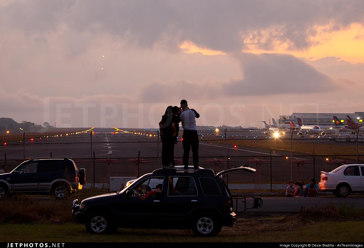MROC - Airport - Spotting Location