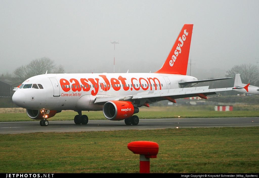 G-EZAT - Airbus A319-111 - easyJet