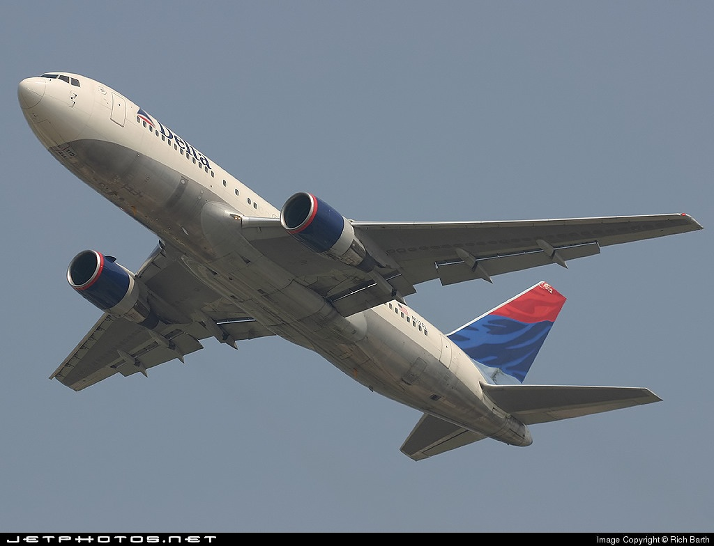 N112DL - Boeing 767-232 - Delta Air Lines