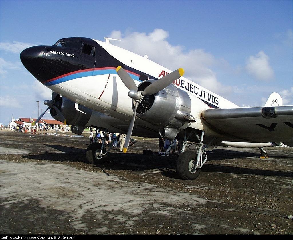 YV-440C - Douglas DC-3 - Aeroejecutivos
