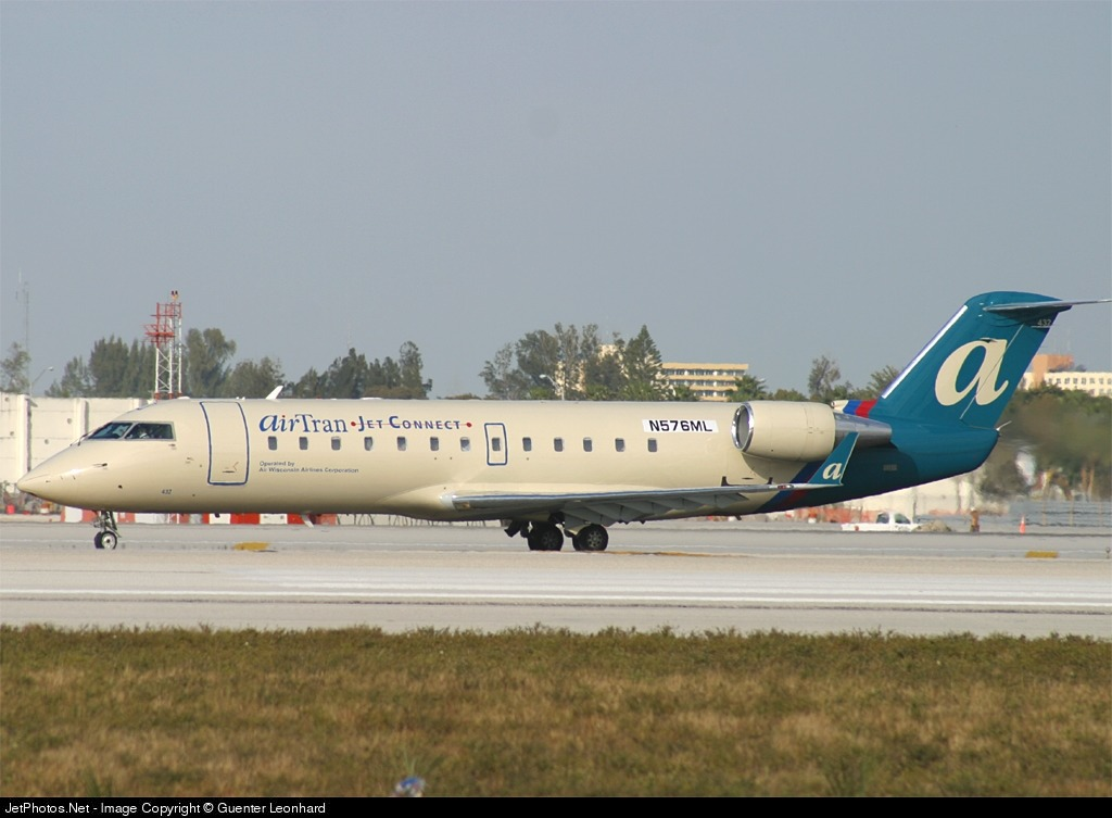 N576ML - Bombardier CRJ-200LR - airTran Jet Connect (Air Wisconsin)