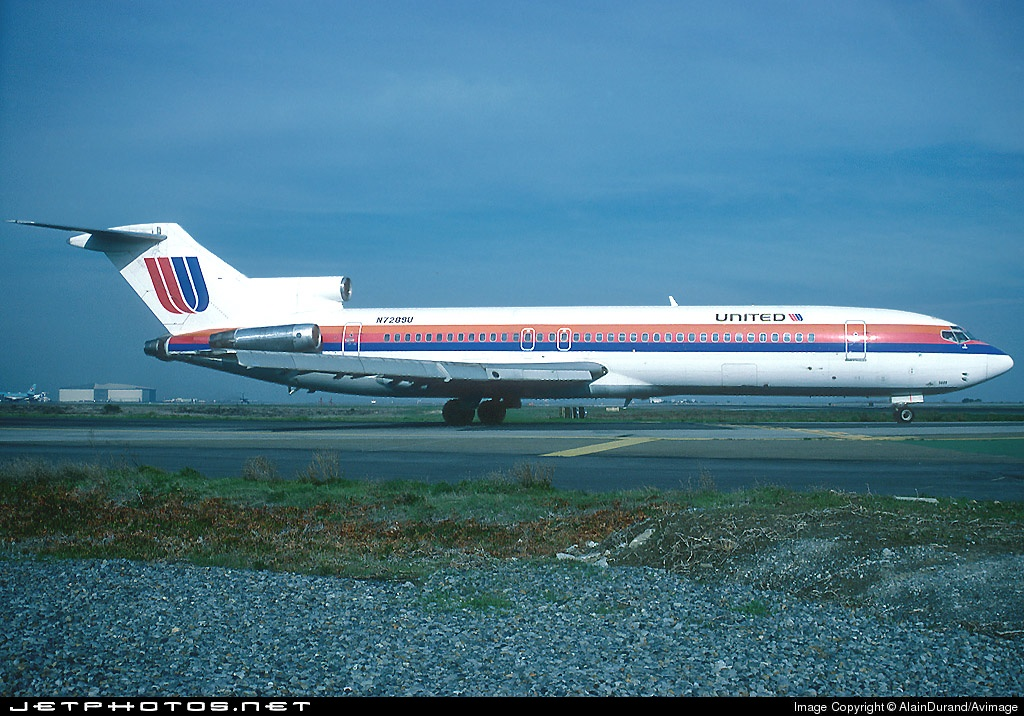 N7289U - Boeing 727-222(Adv) - United Airlines