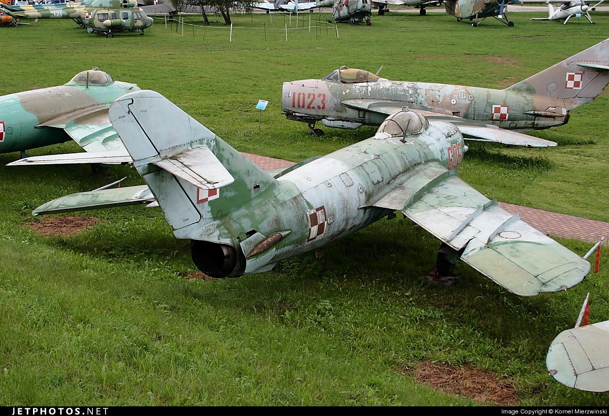 606 - WSK-Mielec Lim-6M - Poland - Army
