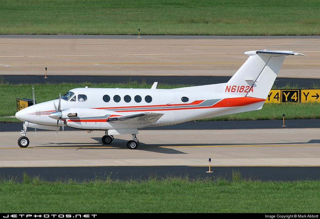N6182A - Beechcraft B200 Super King Air - Private