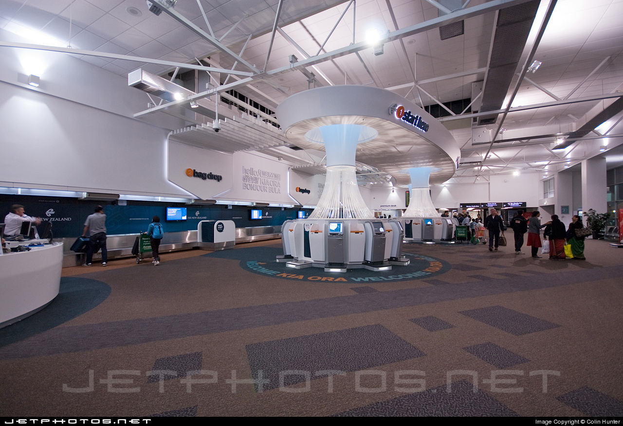 NZAA - Airport - Terminal