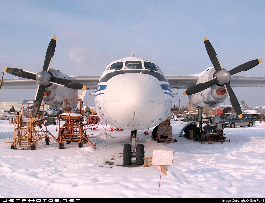 YL-LCD - Antonov An-24B - Latavio - Latvian Airlines