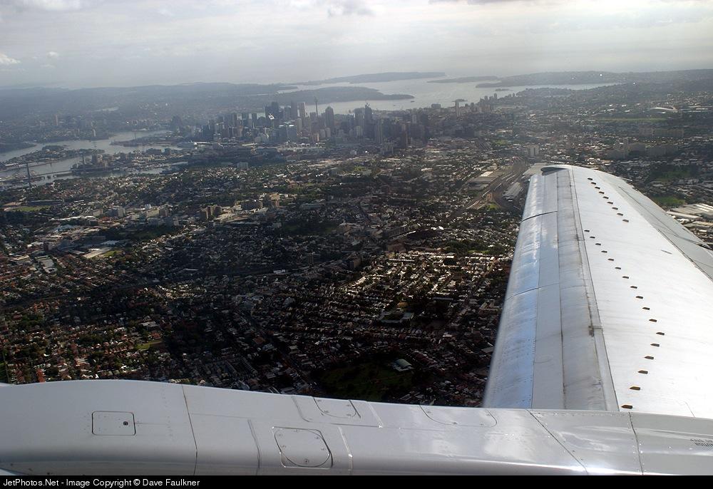 VH-TJR - Boeing 737-476 - Qantas