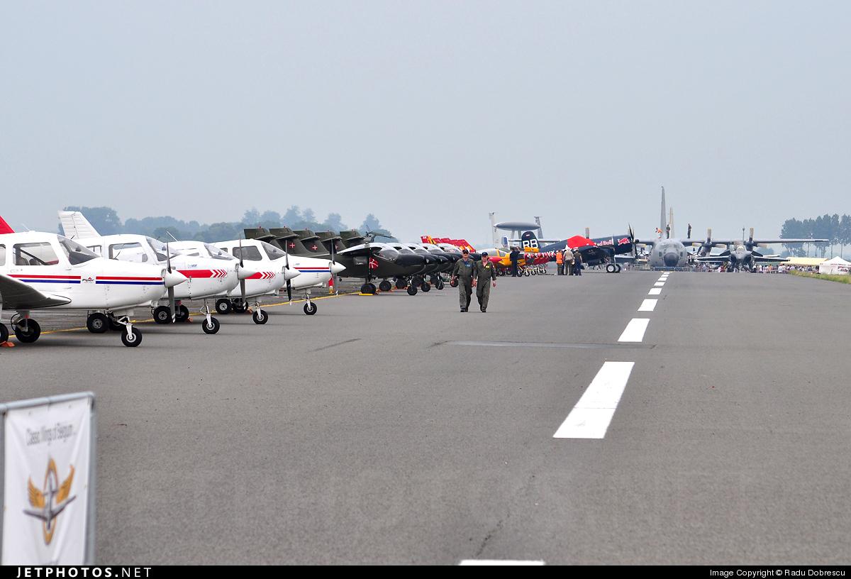 EBBE - Airport - Runway