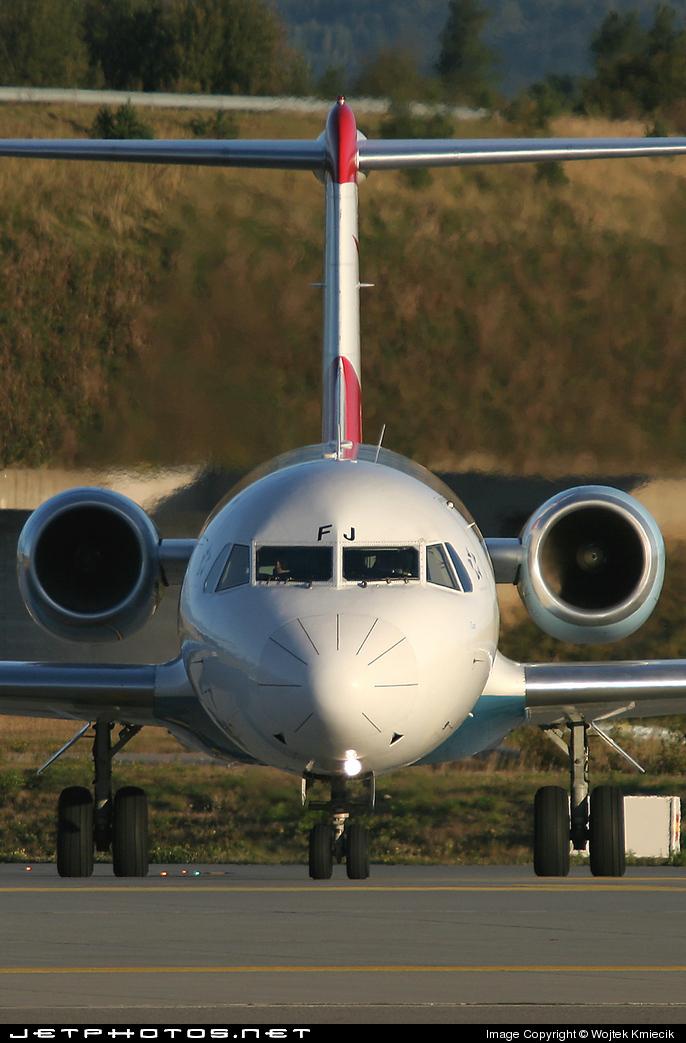 OE-LFJ - Fokker 70 - Austrian Arrows