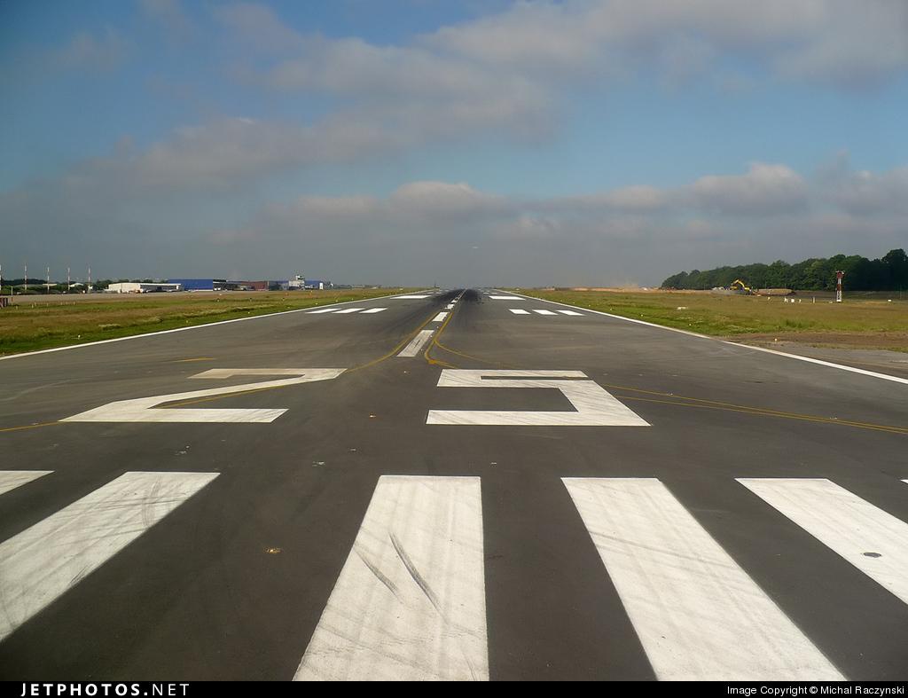 EBCI - Airport - Runway