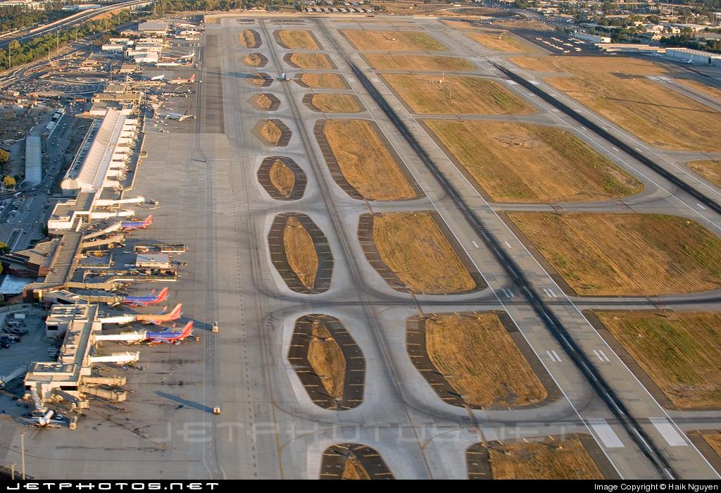 KSJC - Airport - Runway