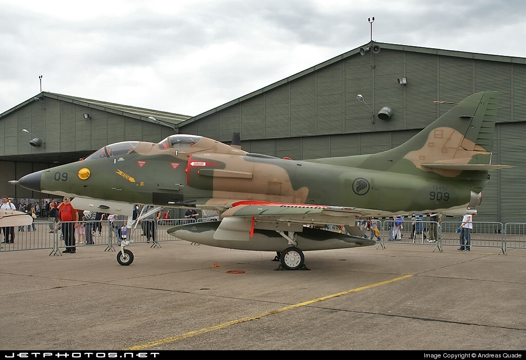 909 - McDonnell Douglas TA-4SU Skyhawk - Singapore - Air Force