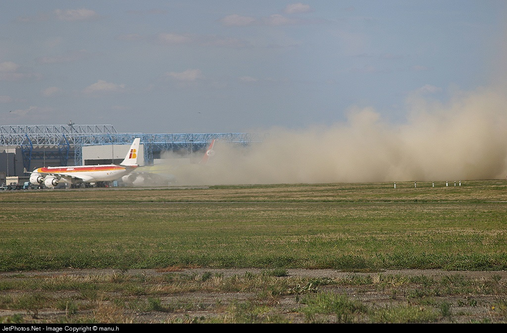F-WWCH - Airbus A340-642 - Iberia
