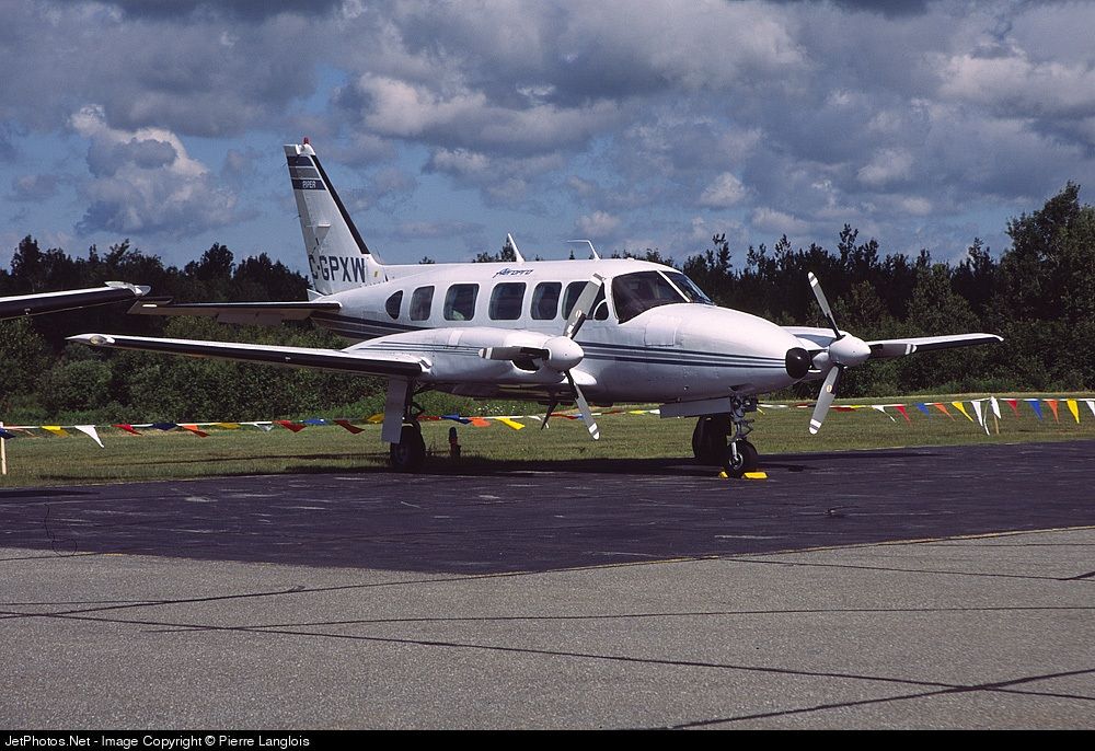 C-GPXW - Piper PA-31-350 Navajo Chieftain - Aéropro