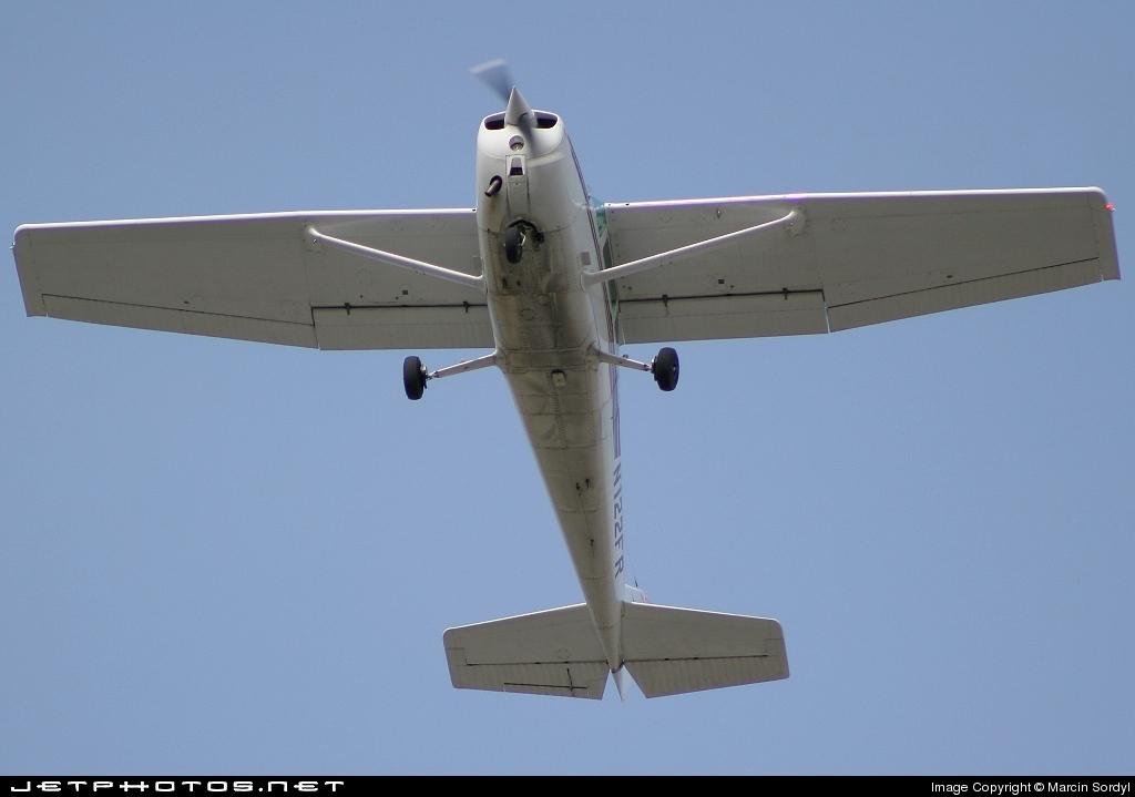 N122FR - Cessna 172N Skyhawk II - Private