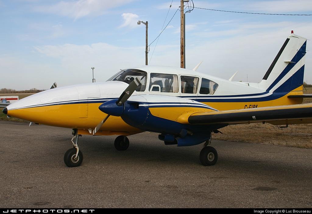 C-FIPK - Piper PA-23-250 Aztec F - Private