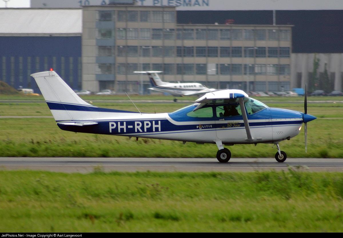 PH-RPH - Cessna 182R Skylane II - Netherlands - Police