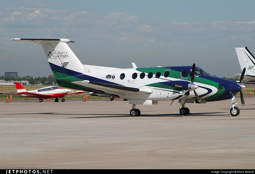 N912SM - Beechcraft 200 Super King Air - Private