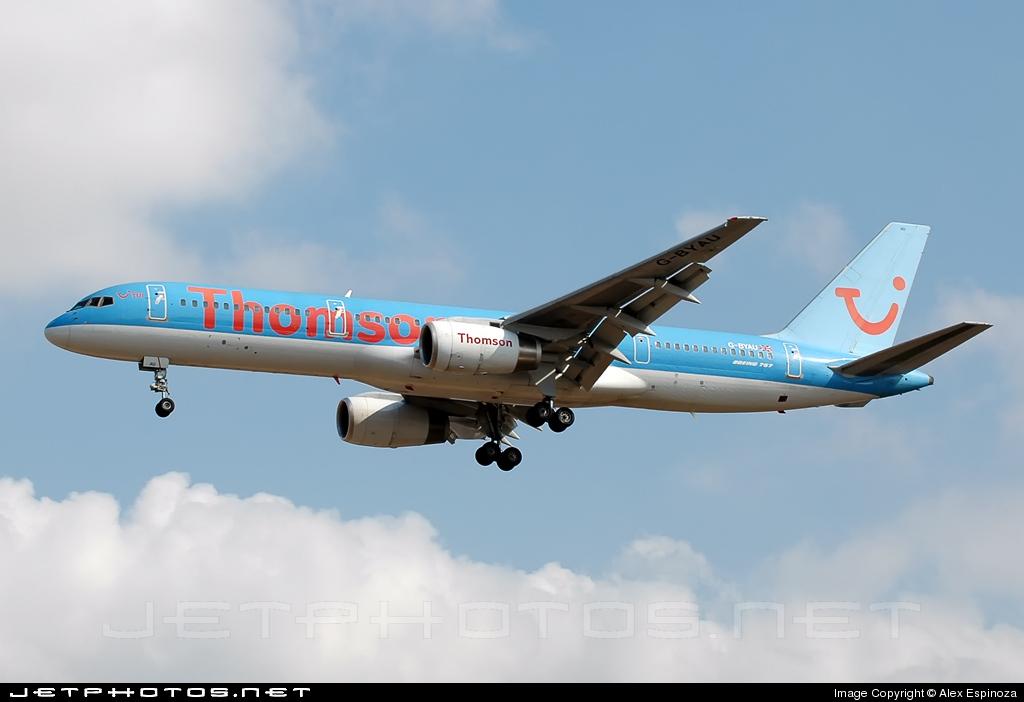 G-BYAU - Boeing 757-204 - Thomsonfly