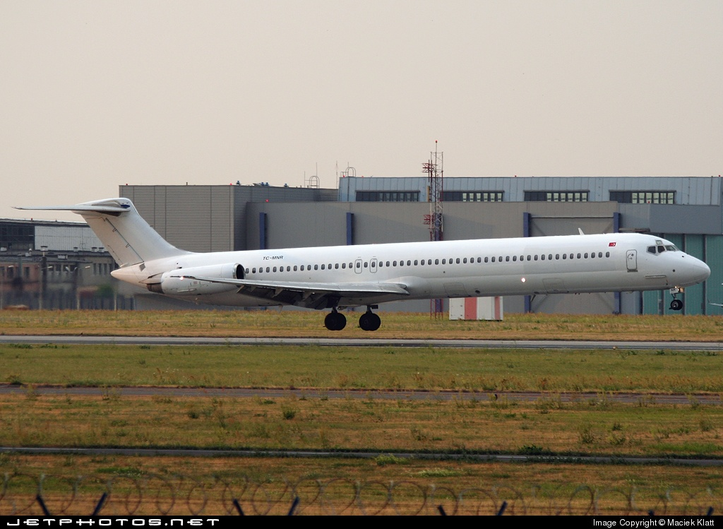 TC-MNR - McDonnell Douglas MD-82 - Fly Air