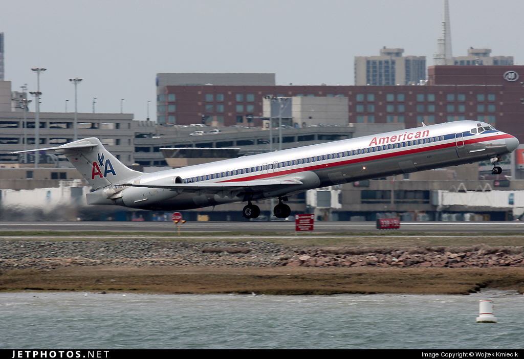 N437AA - McDonnell Douglas MD-82 - American Airlines