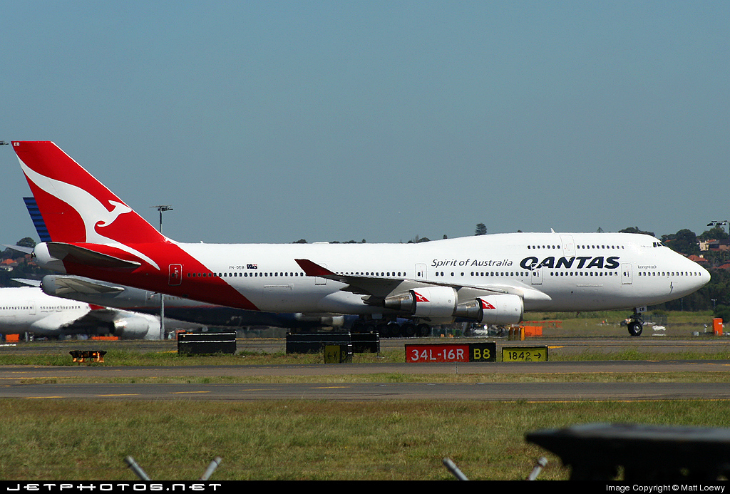 VH-OEB - Boeing 747-48E - Qantas