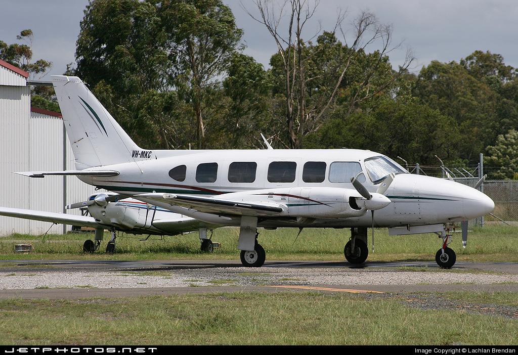 VH-MKC - Piper PA-31-350 Navajo Chieftain - Private