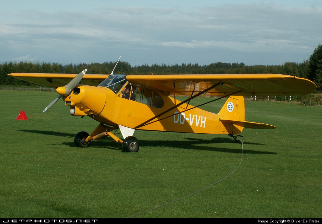 OO-VVH - Piper PA-18 Super Cub - Private