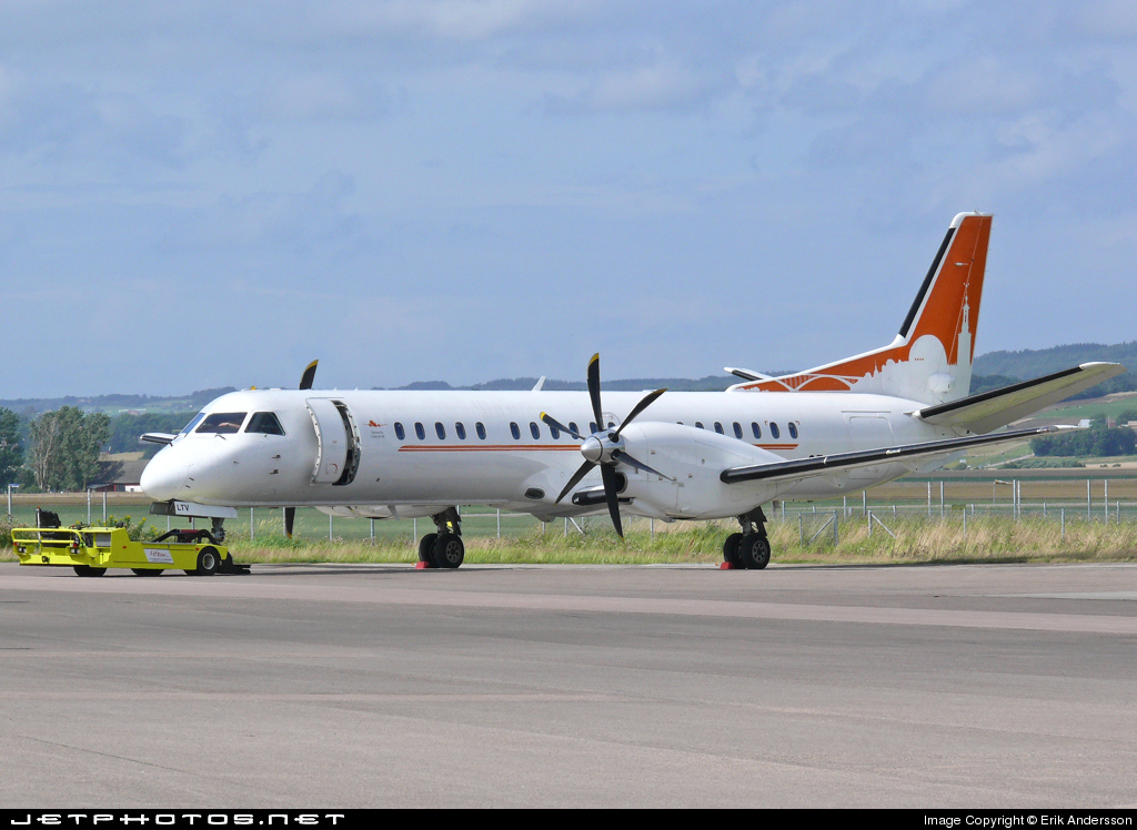 SE-LTV - Saab 2000 - Golden Air