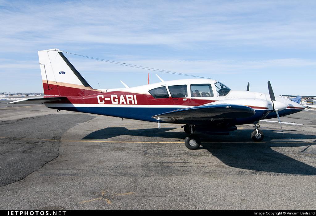 C-GARI - Piper PA-23-250 Aztec E - Private