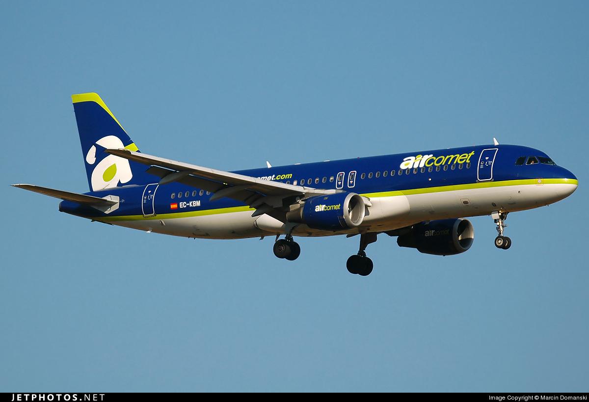 EC-KBM - Airbus A320-211 - Air Comet