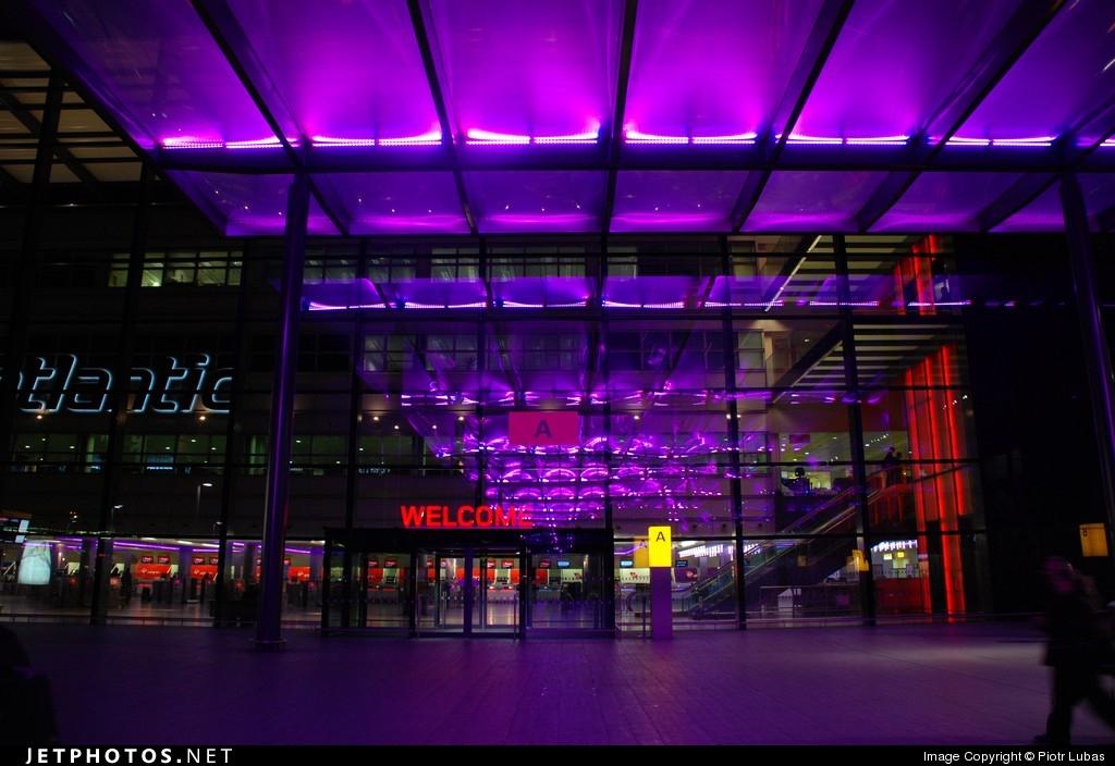 EGLL - Airport - Terminal