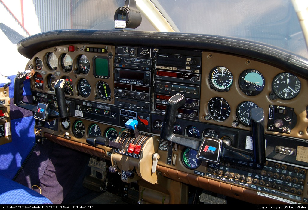 VH-FEE - Piper PA-34-200T Seneca II - Private