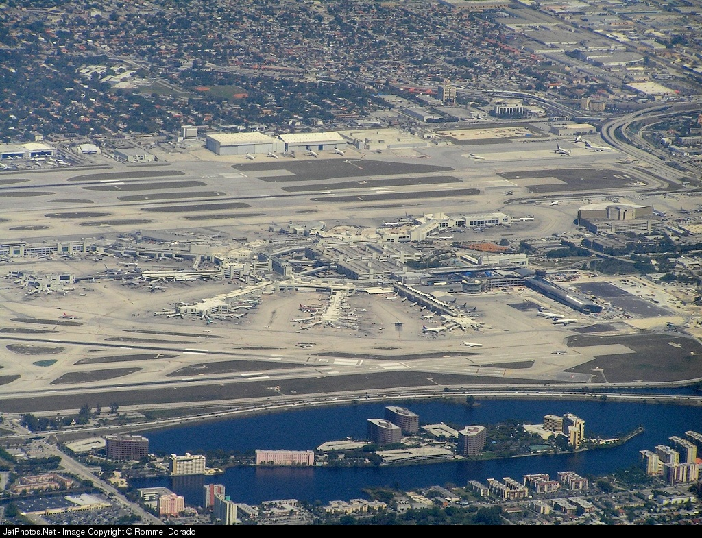 KMIA - Airport - Airport Overview