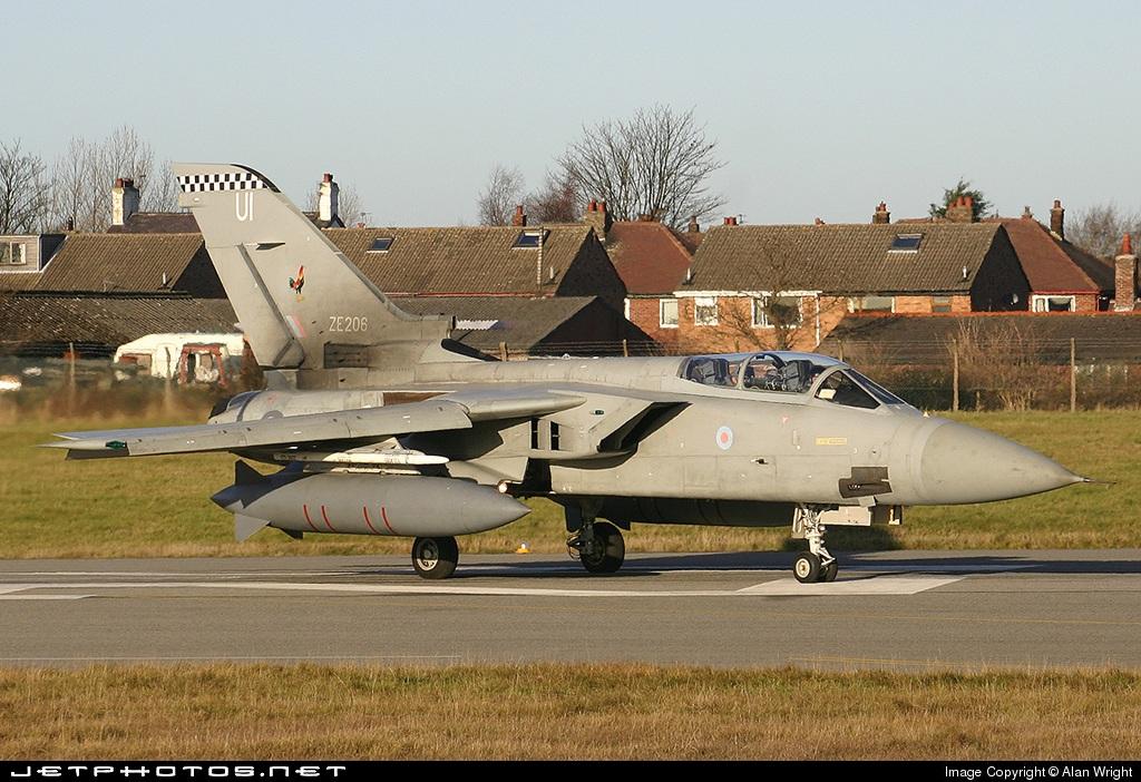 ZE206 - Panavia Tornado F.3 - United Kingdom - Royal Air Force (RAF)