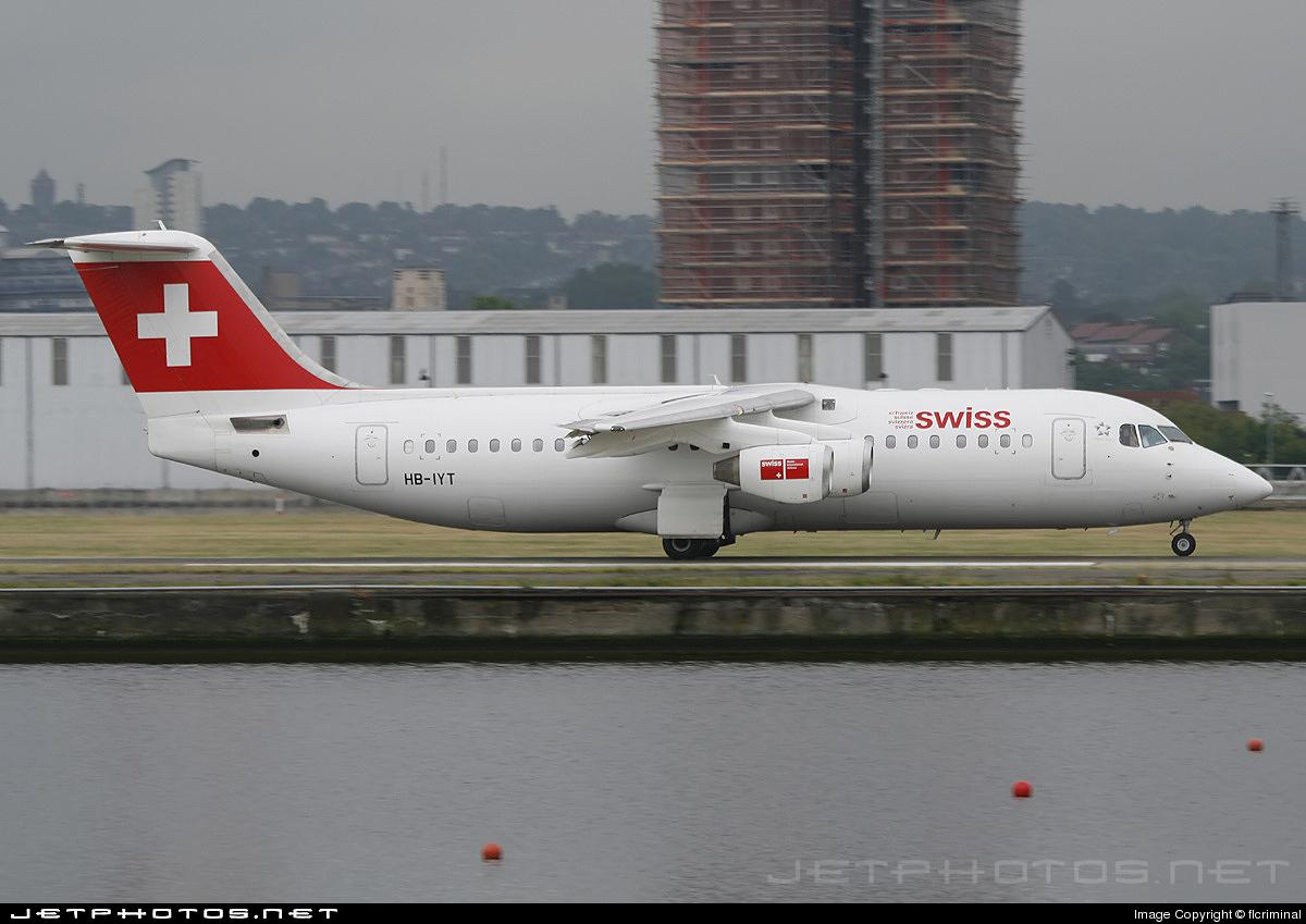 HB-IYT - British Aerospace Avro RJ100 - Swiss
