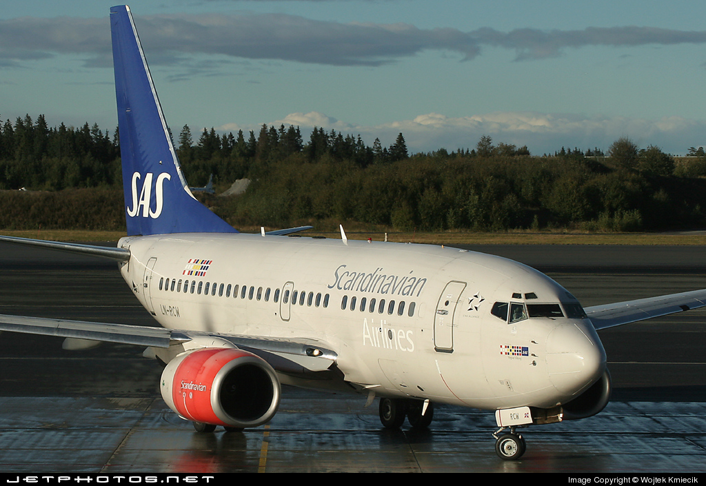 LN-RCW - Boeing 737-683 - Scandinavian Airlines (SAS)