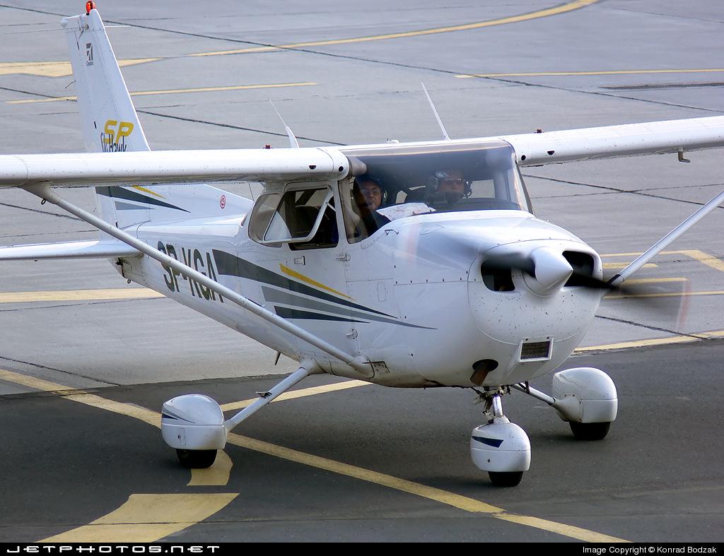 SP-KGA - Cessna 172S Skyhawk SP - Private